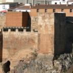 Introducción a dos yacimientos arqueológicos urbanos de Cáceres: intervención en el Palacio de Mayoralgo e intervención de la Calle de Mira al Río