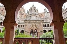 Monasterio-Guadalupe-claustro-templete