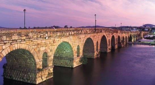 Puente_Romano_sobre_el_Río_Guadiana,_Mérida