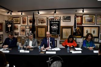 2019-12-14 PRESENTACION LIIRO FAG Y BRINDIS (10)